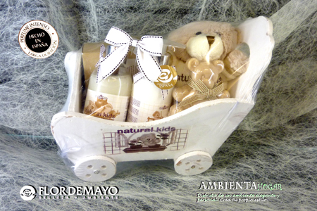 HIGIENE DEL BEBE, CARRITO MADERA , NATIRAL KIDS, FLOR DE MAYO